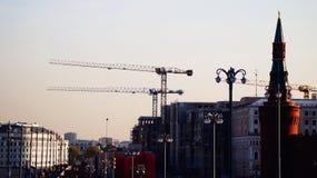 Краны башни, краны конструкции в городе Москвы Стоковая Фотография