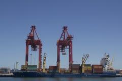 Краны гавани нагружая корабль Перт Австралию славную Стоковое фото RF