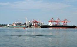 Краны и корабли гавани Стоковое Изображение RF
