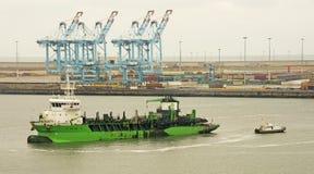 Краны, контейнеры & корабли Стоковые Изображения