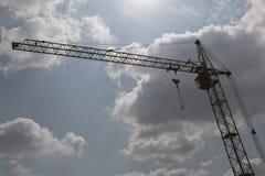 Кран башни в облаках Стоковые Фотографии RF