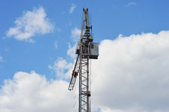 Кран башни на предпосылке неба Стоковая Фотография RF
