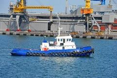 Кран буксира и груза порта Стоковое Изображение RF