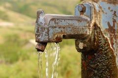 Кран водяной помпы Стоковые Фотографии RF