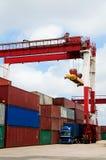 кран грузовых контейнеров Стоковые Фотографии RF