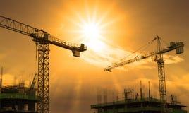 Кран и строительная конструкция Стоковая Фотография