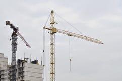кран конструкции здания вниз Стоковые Фото