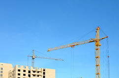 кран конструкции здания вниз Стоковое фото RF