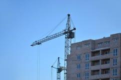 кран конструкции здания вниз Стоковые Фотографии RF