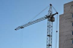 кран конструкции здания вниз Стоковое Фото