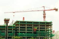 Кран конструкции на высоком здании подъема Стоковое Изображение