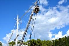 Кран на рыбацкой лодке Стоковая Фотография