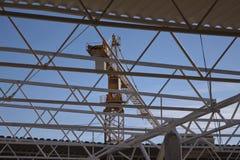Кран на строительной площадке Стоковые Фотографии RF
