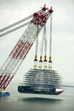 кран плавая тяжелый подниматься Стоковое Изображение RF