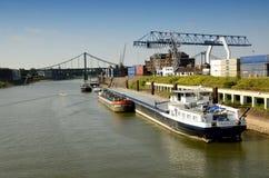 Кран порта и стержень контейнера Стоковая Фотография