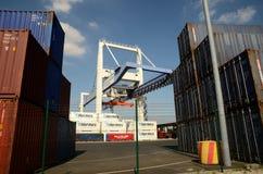Кран порта и стержень контейнера Стоковое Изображение