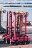 Кран Ganty в порте стоковые фото