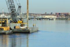 Кран New Bedford баржи Майкл гужа Стоковое Изображение