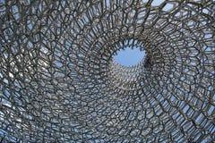 Крапивница, алюминиевая конструкция конструировала подстенком на садах Kew, Англией Вольфганга художника Стоковая Фотография RF
