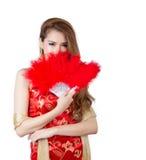 Красивая азиатская модель нося традиционное Cheongsam Стоковая Фотография RF