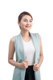 Красивая азиатская молодая бизнес-леди на белой предпосылке Стоковое Изображение