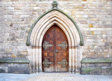 Красивая архитектура входа в старую церковь в центре города Бирмингема, Великобритании Стоковые Изображения