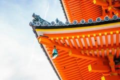 Красивая архитектура в виске Киото Kiyomizu-dera, Японии Стоковые Изображения