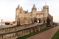 красивая архитектура средневековой крепости Het Steen стоковое фото rf