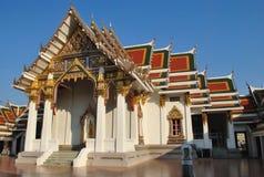 Красивая архитектура Buddist строя Wat Pra Sri Mahatatu Стоковое фото RF