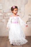 Красивая африканская девушка как маленькая актриса Театр, действующие искусства стоковая фотография