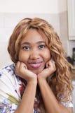 Красивая африканская молодая женщина Стоковая Фотография RF