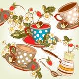 Красивая безшовная картина обоев с чашками чаю и strawb иллюстрация вектора