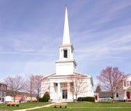 Красивая белая церковь стоковая фотография