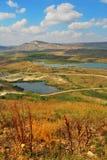красивая береговая линия, взгляд на Karadag, Koktebel Стоковые Изображения
