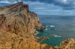 Красивая береговая линия Мадейры скалистая, восточная накидка Стоковое фото RF