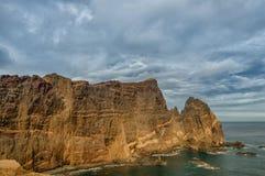 Красивая береговая линия Мадейры скалистая, восточная накидка Стоковая Фотография RF