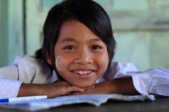 Красивая бирманская девушка Стоковые Фотографии RF