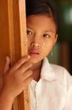 Красивая бирманская девушка Стоковые Изображения RF