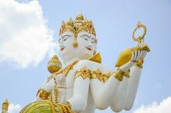 Красивая большая белая статуя brahma стоковое изображение rf