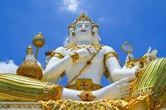 Красивая большая белая статуя brahma стоковое изображение