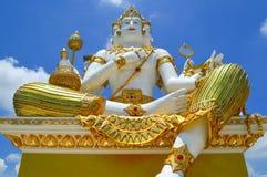 Красивая большая белая статуя brahma стоковые фотографии rf