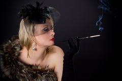Красивая блестящая женщина в студии стоковые изображения rf