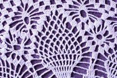 Красивая винтажная предпосылка белой handmade салфетки вязания крючком стоковое изображение rf