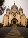 красивая восточная церковь в падении - листья осени стоковая фотография