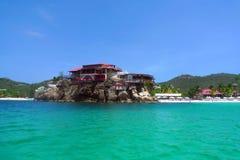 Красивая гостиница утеса Eden на Сен-Бартельми, французских Вест-Индиях Стоковое Изображение