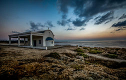 Красивая греческая церковь стиля Стоковые Фотографии RF