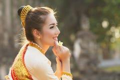 Красивая девушка Лаоса в костюме Стоковые Изображения