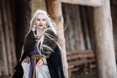 Красивая девушка Викинг Стоковое Изображение