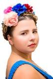 Красивая девушка в изображении Frida Kahlo стоковые изображения rf