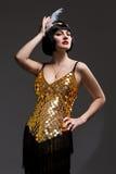 Красивая девушка в мюзикл Чикаго стиля платья Стоковое фото RF